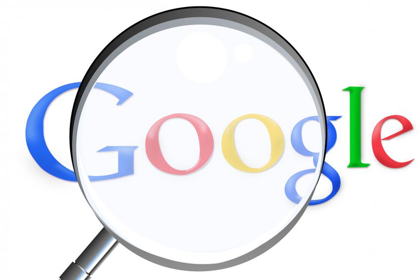 Hvordan kommer du på side et i Google